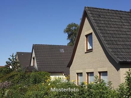 Zwangsversteigerung Haus, Normandiestraße in Bad Nenndorf