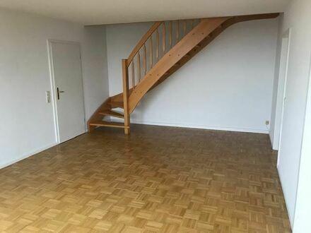 +++Attraktive Dachgeschoss-Wohnung mit Einbauküche und tollem Blick ins Erzgebirge+++