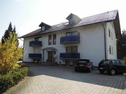 Gemütliche 3 - Zimmer DG - Wohnung, zzgl. 2 Räume und Bad im Keller !