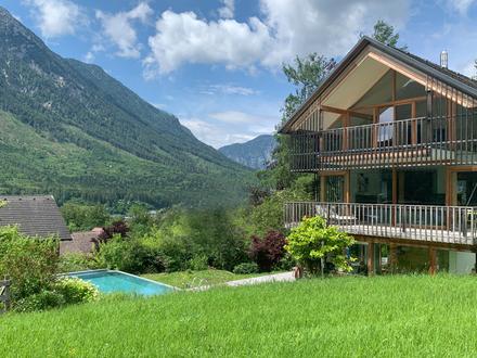 Auf der Sonnenseite! Preisgekrönte Architektenvilla im modernen Ausseer-Look direkt am Grünland