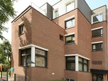 TT bietet an: Exklusive, hochwertige Wohnung mit Dachterrasse in der Innenstadt!