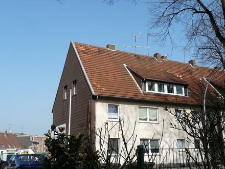 Gemütliche Dachgeschosswohnung mit Einbauküche