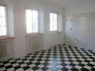 außergewöhnliche 4 Zimmer Wohnung in Großkarlbach zu vermieten