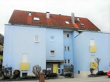 Einziehen und Wohlfühlen - neu renovierte, barrierefreie 3-Zi.-Whg in Schnaitheim