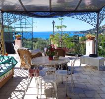 Anwesen in traumhafter, idyllischer Hanglage mit Panoramablick auf das Mittelmeer