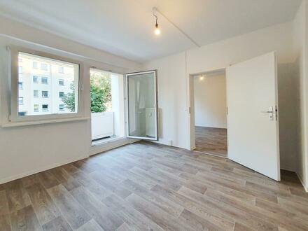 Wir richten Ihre Traumwohnung her! Schicke 2-Zimmer-Wohnung mit Balkon und Tageslichtbad