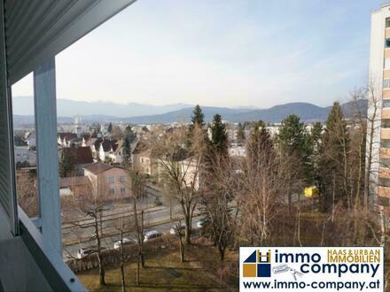 Neu renovierte 3 Zimmer Wohnung mit Balkon - ca .99m² Wfl.