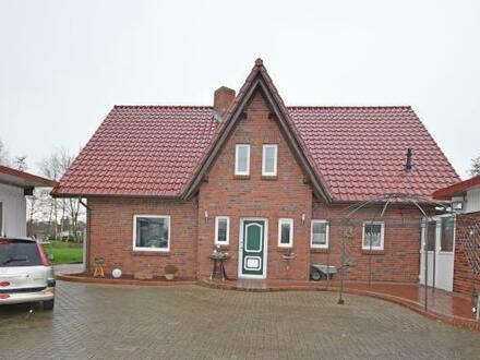 Schönes Einfamilienhaus mit Nebengebäuden ( Halle) in Großheide OT Ostermoordorf