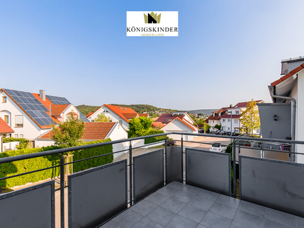 Top gepflegte 2-Zimmerwohnung mit Ostbalkon und EBK in vornehmer Wohnlage am Ortsrand von Urbach