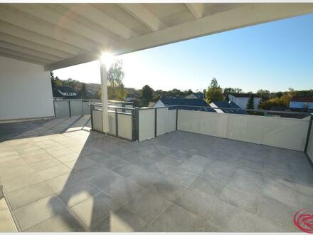 Weiträumig Wohnen mit fast 40m² Dachterrasse! NEUWERTIG!++Robert Decker Immobilien++