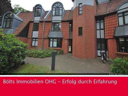 Renovierte Wohnung mit neuer Einbauküche in begehrter Parklage in Oberneuland