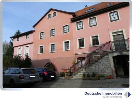 3-FH mit ehemaligen Gewerberäumen in Boxberg-Schwabhausen