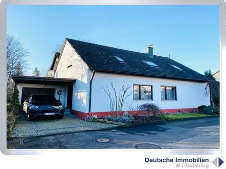 Familienglück: gepflegtes Ein- bis Zweifamilienhaus in Löchgau