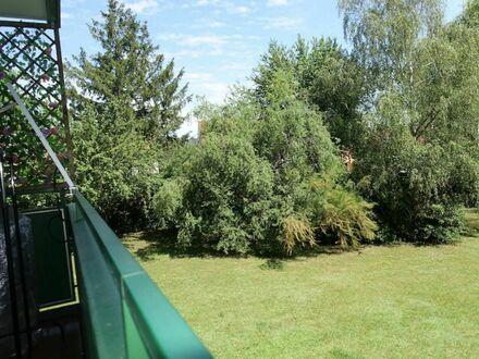 5 0 qm mit herrlichen SONNEN- BALKON zur parkähnlichen Grünanlage + Aufzug - LIFT + KFZ Platz