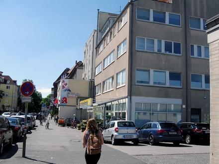 Südstadt: 3-Z-Wohnung, saniert, mit Südbalkon, Geschäfte vor Ort