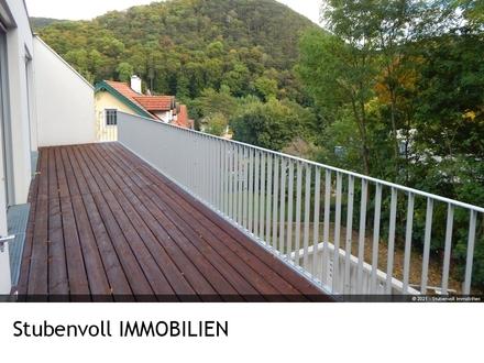 Exclusive Villa mit eigenen Lift im Haus, Pool und Grünblick - Neubau Erstbezug 01.01.2022