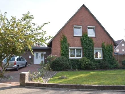 Oldenburg: Stetig renoviertes und modernisiertes Einfamilienhaus auf großem Grundstück, Obj. 5307