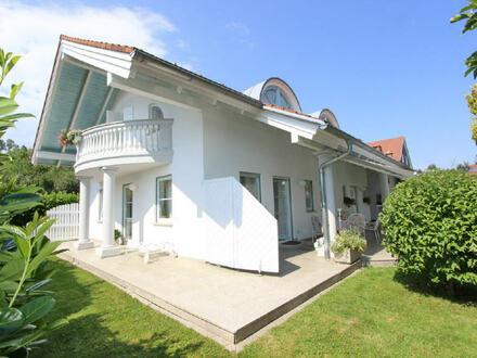 Elegantes Haus mit Einliegerwohnung in ruhiger Lage