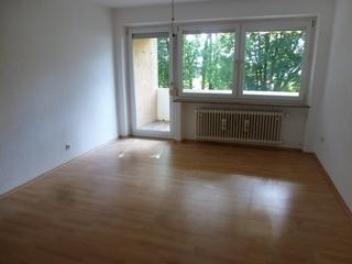 3 ZKB 69 m² 01.11.2019 125,- 700,- Balkon. Haustiere erlaubt. Tel. 08230/891767...