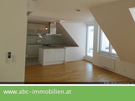 Top ausgestattete 4 Zimmer Dachgeschosswohnung mit 101 m2 Terrassen