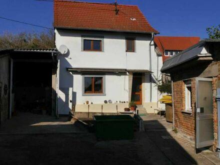 Altes Bauernhaus mit Scheune, Garage und Garten sucht Liebhaber...