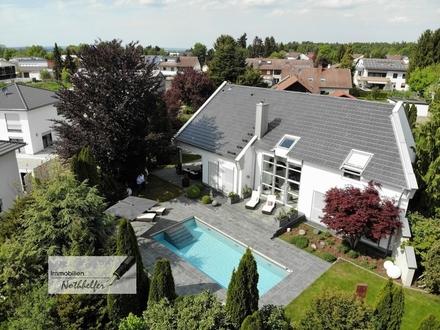 Hochkarätiges Einfamilienhaus mit Traumgarten, Outdoor Pool und großem Wellnessbereich