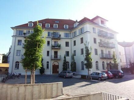 Saniertes Denkmalschutzobjekt - Charmante 3-Zimmer-Altbauwohung mitten im Straubinger Zentrum