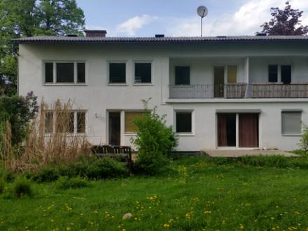 großes Wohnhaus, Küche teilmöbliert 700 m vom Klopeinersee
