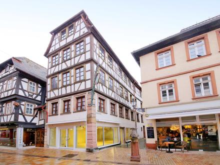 Attraktives Wohn-und Geschäftshaus in Top-Lage -5 Wohneinheiten und 1x Gewerbe ohne Renovierungsstau