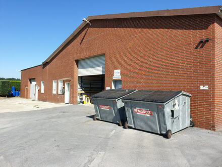 Lagerhalle mit 4 Rolltoren und Außengelände in Varensell