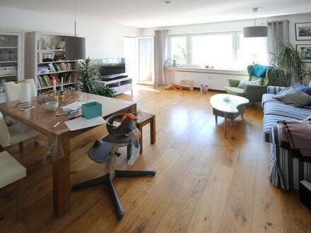 Hell und freundlich! Top renovierte 4-Zimmer-Wohnung in zentraler Ruhelage von Hofheim!
