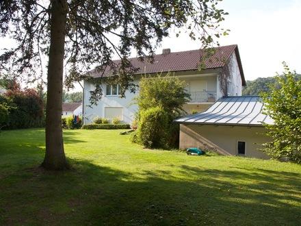 Passau-Innstadt: Wohn- und Geschäftshaus auf großem Grundstück mit viel Potential