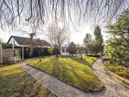 Gepflegtes Einfamilienhaus mit Gartenparadies