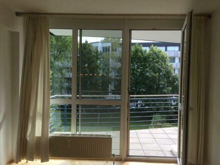 Schicke 2 Zi Wohnung in Bestlage direkt an der Grünzone