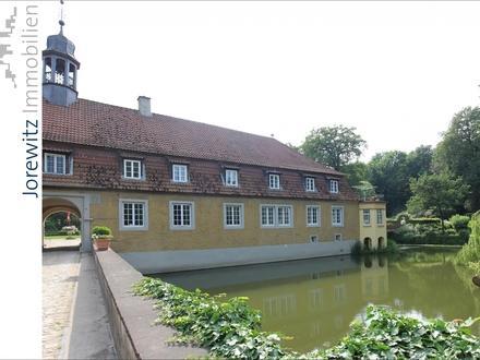 Außergewöhnliche Schloss-Wohnung über zwei Ebenen in Kirchlengern