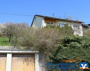 Ein-/Zweifamilienhaus mit Doppelgarage