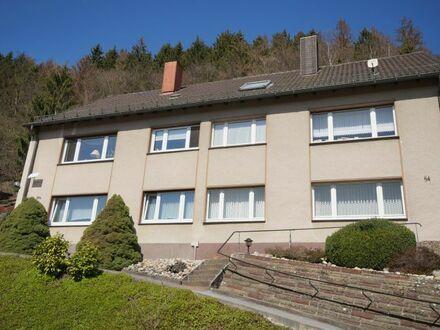 Solides 2- Familienhaus mit zwei Garagen in bevorzugter, sonniger Lage von Werdohl