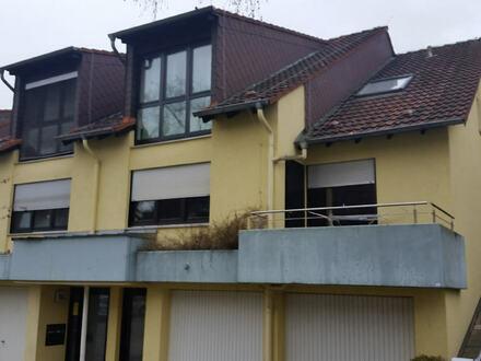 Gepflegte Dachgeschoss-Wohnung