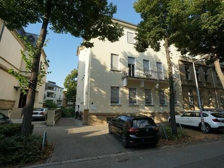 TOP LAGE! Attraktive 2,5 ZKB Wohnung in der Oststadt
