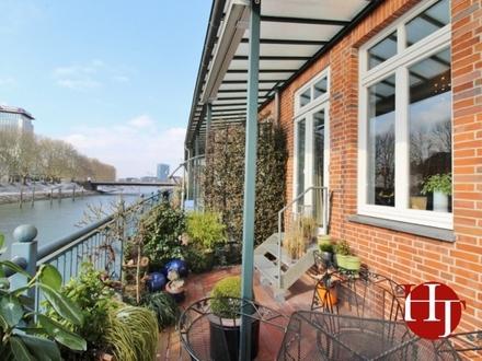 Mitten in der City... Geräumige Maisonette mit sehr guter Ausstattung und Blick zur kleinen Weser!