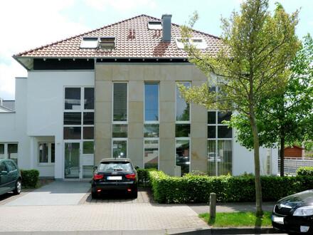 Elegante 3-Zimmer-Erdgeschosswohnung in schöner Stadtvilla!