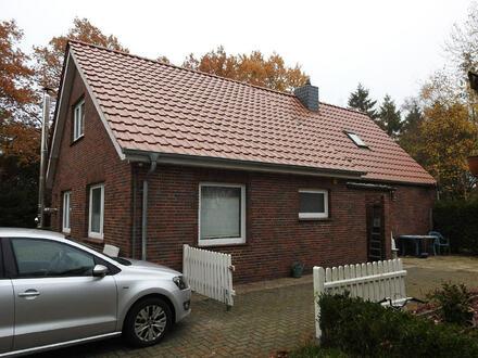 Einfamilienhaus mit großem Grundstück in ländlicher Lage