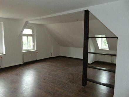 Gemütliche 3 Zimmerwohnung im DG - in Limbach-Oberfrohna