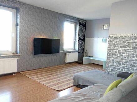 2 3 5. 0 0 0,- für 4 Zimmer 9 9 qm mit großen und hellen Wohnzimmer in zentraler Südstadtlage
