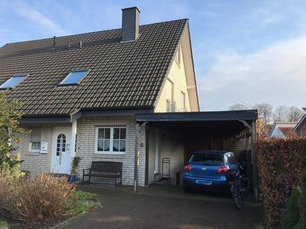 Individuelle Doppelhaushälfte in toller Wohnlage
