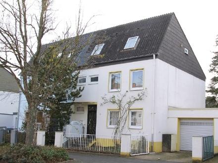Landau (Stadt): Großzügige Doppelhaushälfte mit schönem Südgarten