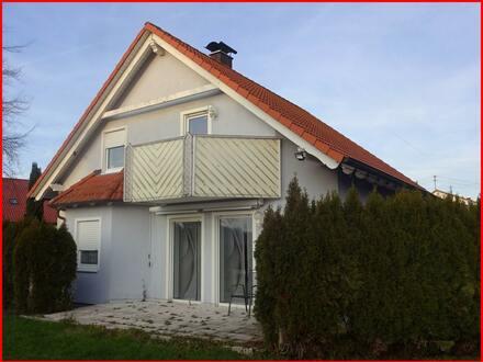 Schönes Einfamilienhaus mit Doppelgarage...