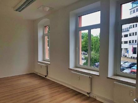 Kleines Stadtbüro im Chemnitzer im Zentrum zur MIETE - Küche inklusive