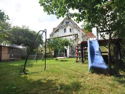 Grundsolide Doppelhaushälfte mit großem Grundstück ..Natur Pur.....