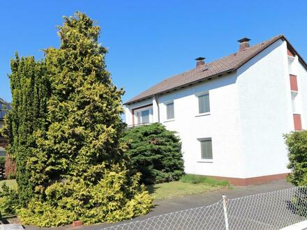 Nähe Weiden! Freistehendes Ein- oder Zweifam.-Haus mit zwei Garagen und Garten